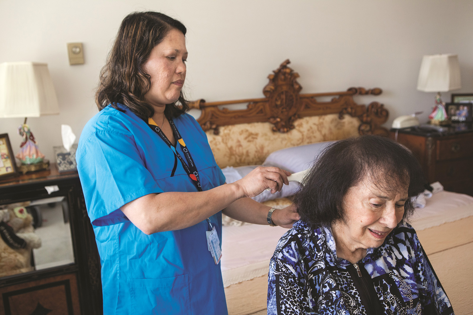 photo of PSW brushing client's hair